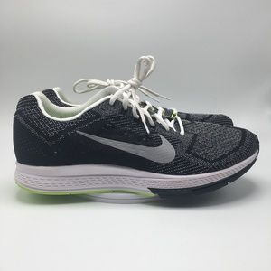 Nike Mens Air Zoom Structure 18 Running Shoes 1025
